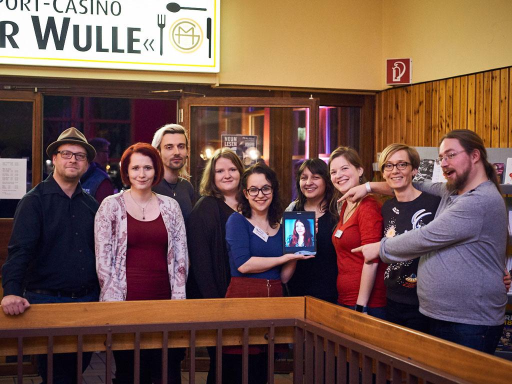 Gruppenbild der 9lesen-Autoren nach der Lesung in Berlin