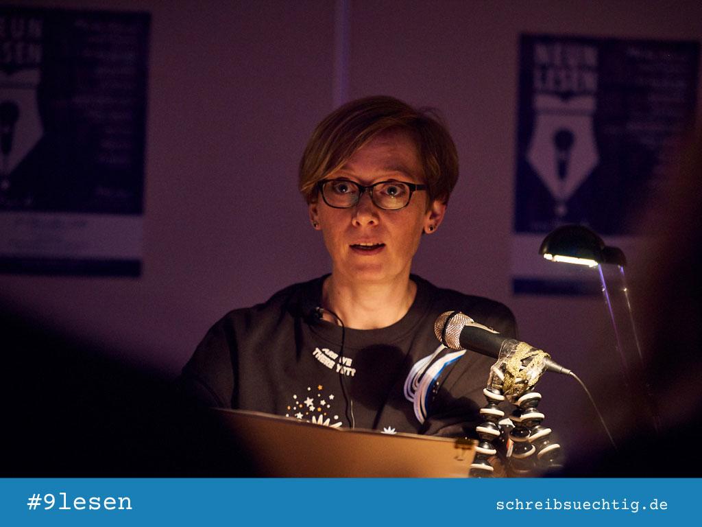 Lesung von Ricarda Howe bei 9lesen in Berlin