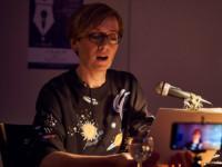Hilft ein bei Lampenfieber: Ricardas Space-Pulli als Bühnen-Outfit